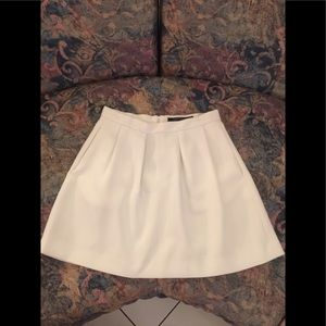 FRENCH CONNECTION WOVEN  SKIRT IVORY SIZE 4